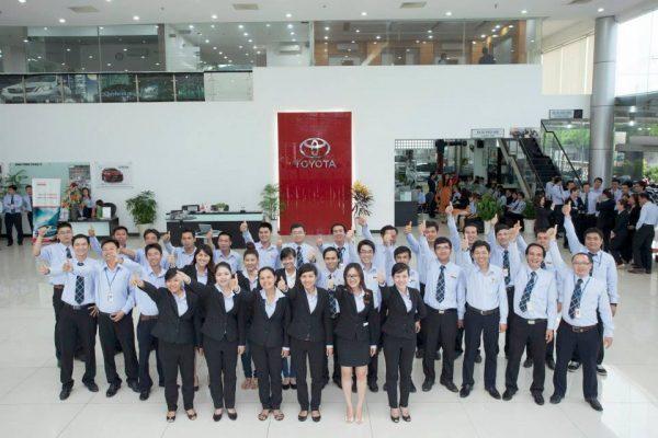 Tập thể CB-CNV Toyota Lý Thường Kiệt